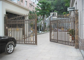 swing gate repair